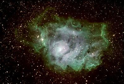 Nebulosa Laguna em combinação de cores